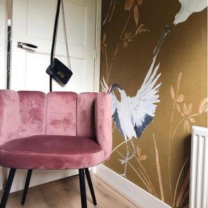 Behang okergeel bij klanten thuis